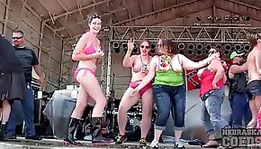 Drunk and chubby party real sluty girls dance on stage