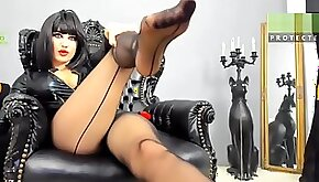 Goddess cleopatra controling you with her nylon feet