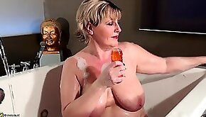 Hot ass dame moaning while drilling her pussy using toy in the bathroom