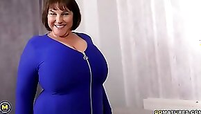 BBW MILF in blue dress show her huge natural tits and masturbating