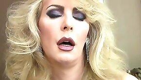 Mature blonde enjoys solo masturbation in her black lingerie