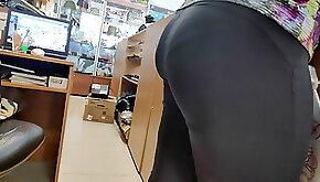 Big ass sexy milfs in tight yoga pants