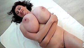 Busty Mom Ivana Oiled Tits Ivana Gita